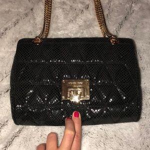 🆕 Michael Kors Vivianne Med Shoulder Bag